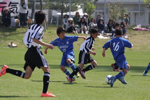 IMG_8433⑨決勝戦でJFE倉敷ボールをキープ